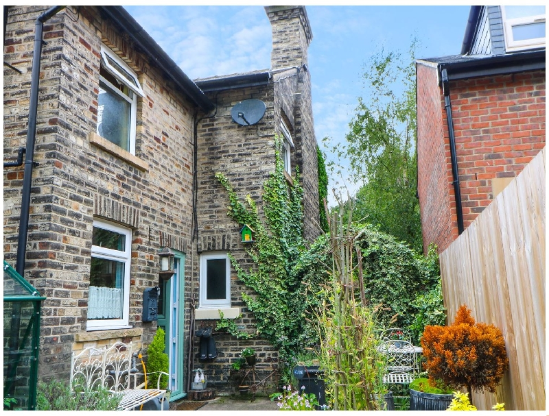 Click here for more about 5 Station Cottages