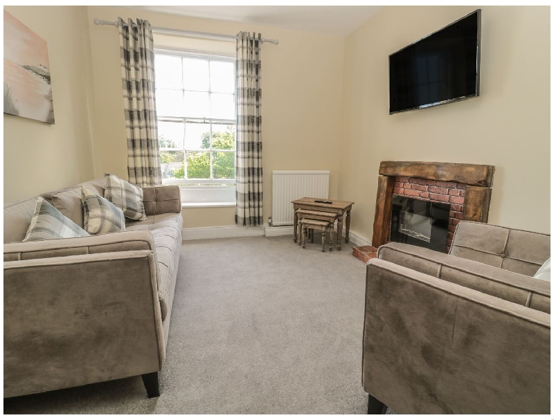 Click here for more about Coquet View Apartment